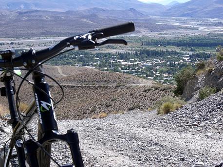 Pedaleando entre monta as y valles en el norte neuquino for Viveros en neuquen