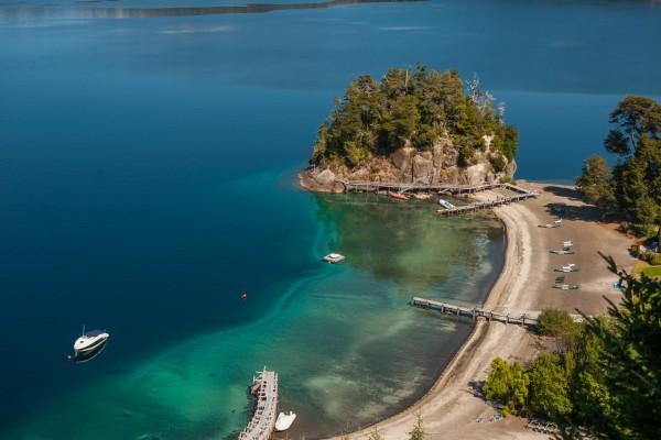 Bahía Arauco en el Lago Nahuel Huapi