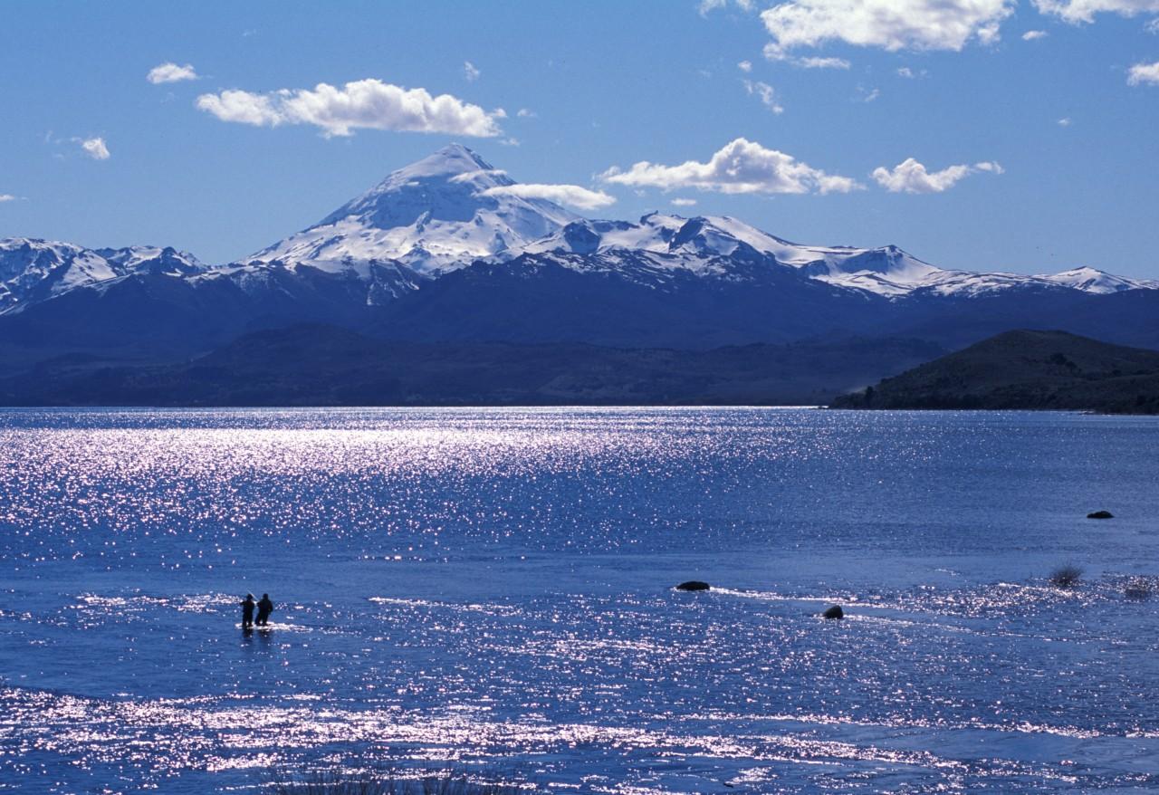 Boca del Río Chimehuín, Lago Huechulafquen