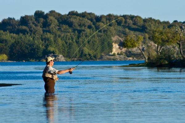 pesca, mosca fly fishing lago aluminé