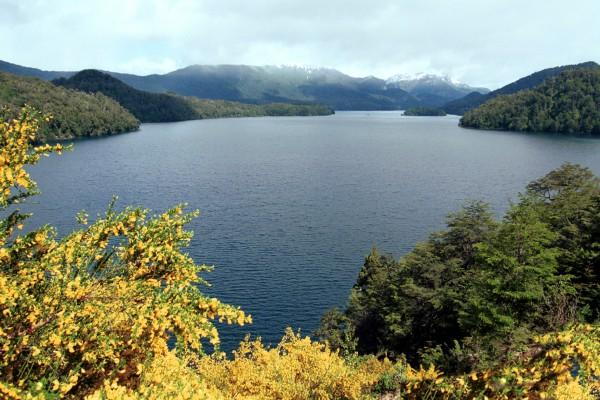 Lago Machónico en primavera